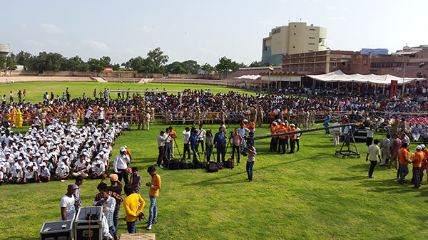 Crowds gather to welcome Mr Aamir Khan at Umaid Stadium in Jodhpur