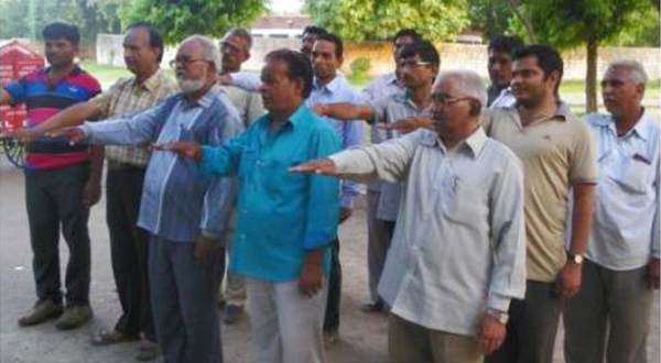 Workers at Jodhpur zoo take an oath of cleanliness